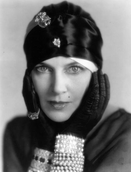 Jewelry「Olga Baclanova」:写真・画像(10)[壁紙.com]