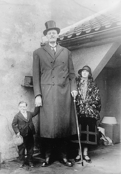 Tall - High「Giant And Dwarf」:写真・画像(3)[壁紙.com]