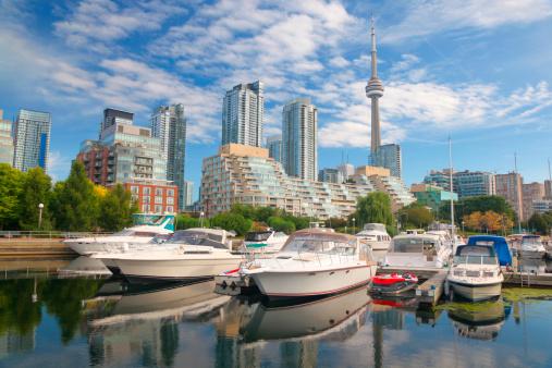 Great Lakes「Boats in Downtown Toronto city marina」:スマホ壁紙(1)