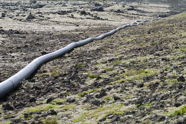 Responsibility「Water pipes in Hellisheidi, Iceland. These are employed to provide water to construction sites.」:写真・画像(8)[壁紙.com]