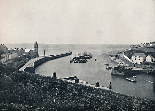 Copy Space「Porthleven - The Harbour And Look-Out」:写真・画像(2)[壁紙.com]