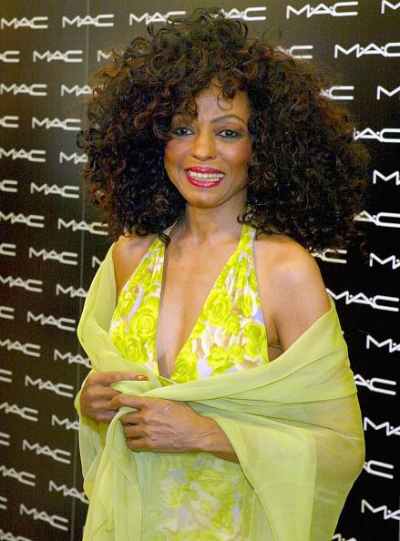 カメラ目線「Diana Ross Launches New Cosmetics Line」:写真・画像(16)[壁紙.com]