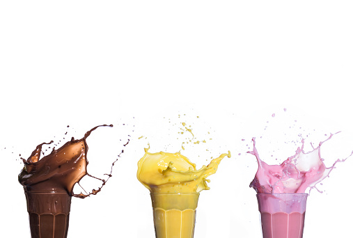 Blended Drink「Shakes of different flavors exploding on white background」:スマホ壁紙(9)