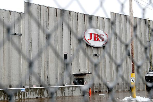 肉「Greeley JBS Meat Packing Plant Closes After Coronavirus Outbreak」:写真・画像(3)[壁紙.com]