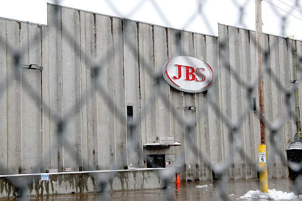 Meat「Greeley JBS Meat Packing Plant Closes After Coronavirus Outbreak」:写真・画像(9)[壁紙.com]