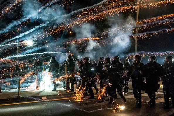 Portland - Oregon「Daily Protests In Portland Continue Into Third Month」:写真・画像(12)[壁紙.com]