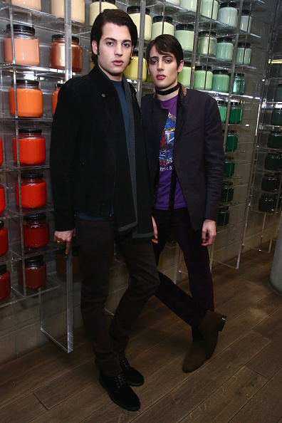 Suede Shoe「M.A.C. Cosmetics And The Brant Brothers Debut New Collection At M.A.C. Pro Store」:写真・画像(19)[壁紙.com]