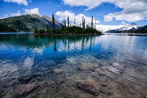 White Color「夏には、紀元前に、カナダでガリバルディ湖」:スマホ壁紙(3)