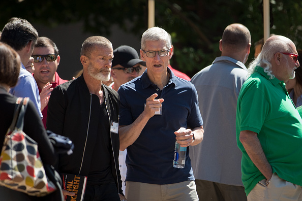 Tim Cook - Business Executive「Tech And Media Elites Attend Allen And Company Annual Meetings In Idaho」:写真・画像(6)[壁紙.com]