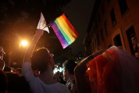 歴史「New York State Senate Votes Yes On Gay Marriage Bill After Week Of Delays」:写真・画像(1)[壁紙.com]