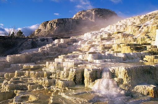 Mammoth Hot Springs「Minerva Terrace at Mammoth Hot Springs」:スマホ壁紙(9)