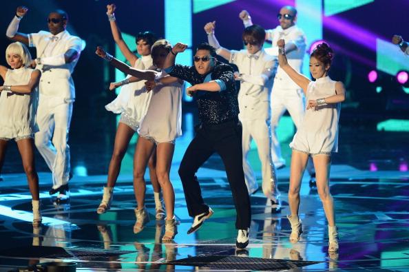 Ian Gavan「MTV EMA's 2012 - Show」:写真・画像(7)[壁紙.com]