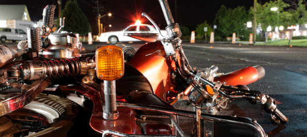 Emergency Services Occupation「Close up photograph of a crashed motorcycle and police car」:スマホ壁紙(12)
