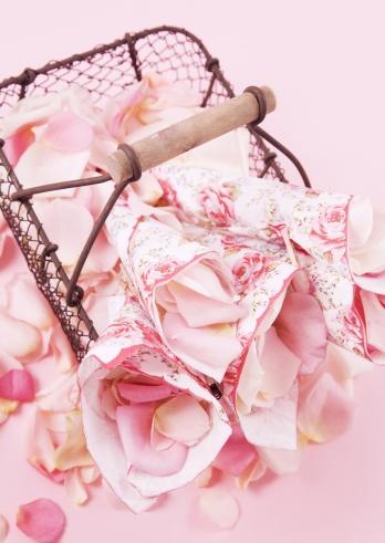 ガーリー「Roses Petal」:スマホ壁紙(5)