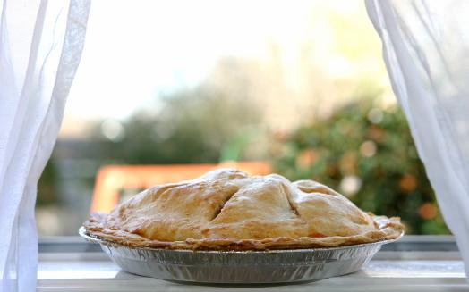 Dessert「Apple Pie  - Cooling in Window」:スマホ壁紙(16)