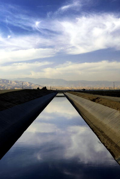 Canal「Bread and Oil: California's Central Valley」:写真・画像(6)[壁紙.com]