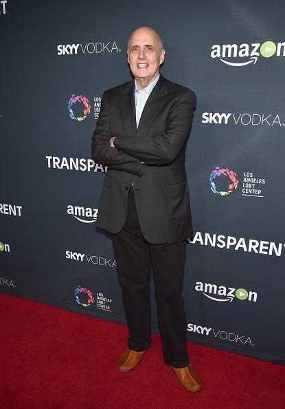 "Transparent「Premiere Of Amazon's ""Transparent"" Season 2 - Red Carpet」:写真・画像(13)[壁紙.com]"