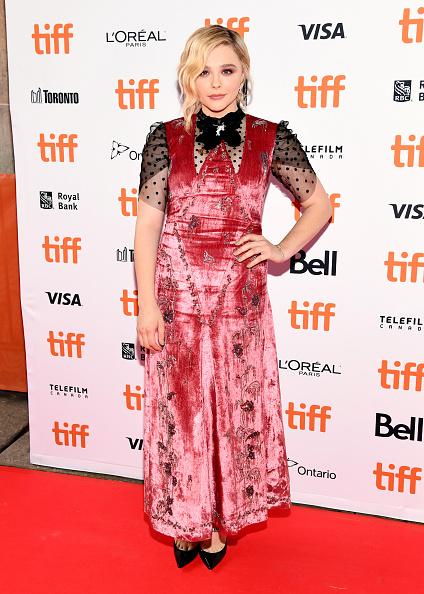 ピンク色のドレス「2018 Toronto International Film Festival - 'Greta' Premiere」:写真・画像(7)[壁紙.com]