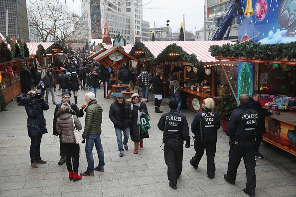 2016 Berlin Christmas Market Attack「Christmas Market Targeted In Terror Attack Reopens」:写真・画像(10)[壁紙.com]