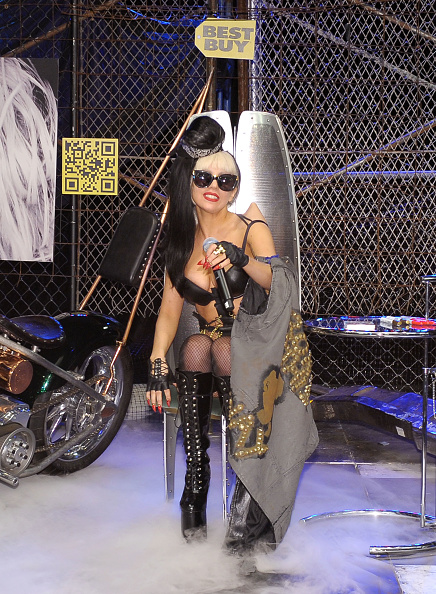Two-Toned Hair「Best Buy Lady Gaga Event」:写真・画像(13)[壁紙.com]