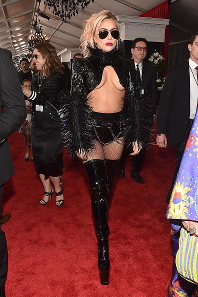 グラミー賞「The 59th GRAMMY Awards - Red Carpet」:写真・画像(12)[壁紙.com]