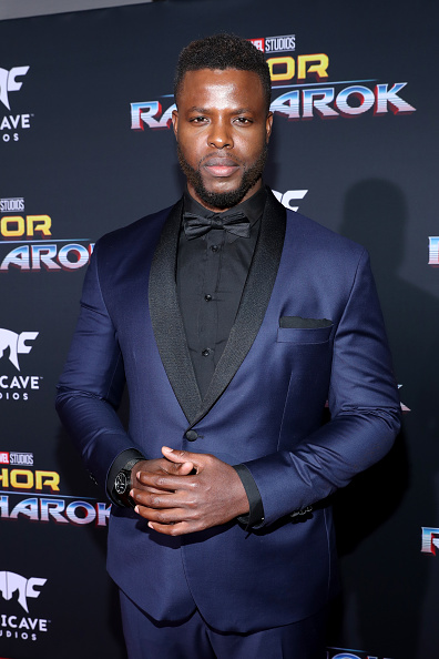 下襟「The World Premiere Of Marvel Studios' 'Thor: Ragnarok'」:写真・画像(8)[壁紙.com]