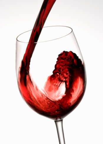 Pouring「Red wine pouring into wine glass, close-up」:スマホ壁紙(19)