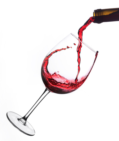 Splashing「Red wine  poured into glas」:スマホ壁紙(14)