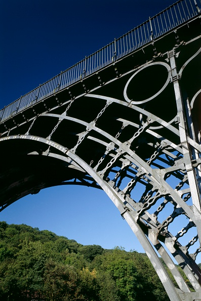 2000s Style「The Iron Bridge, Ironbridge, Shropshire, c2000s(?)」:写真・画像(14)[壁紙.com]