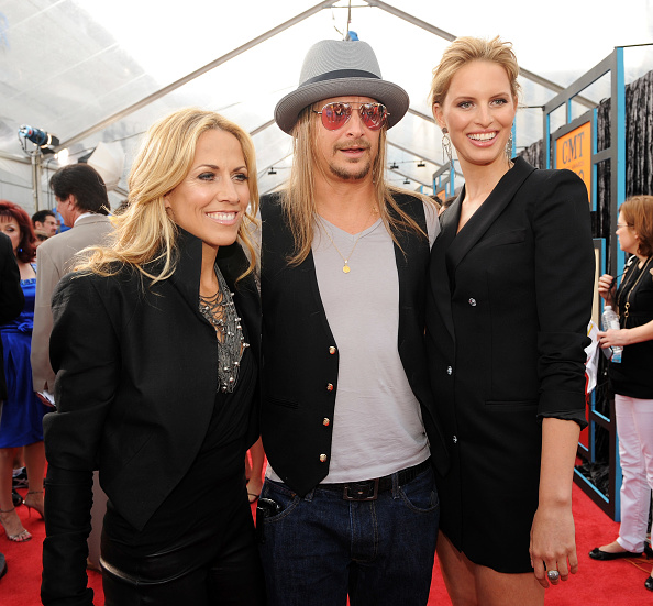 Azzaro - Designer Label「2009 CMT Music Awards - Arrivals」:写真・画像(14)[壁紙.com]