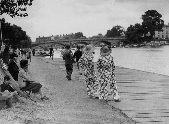 Francis M. R「Riverside Pyjamas」:写真・画像(12)[壁紙.com]