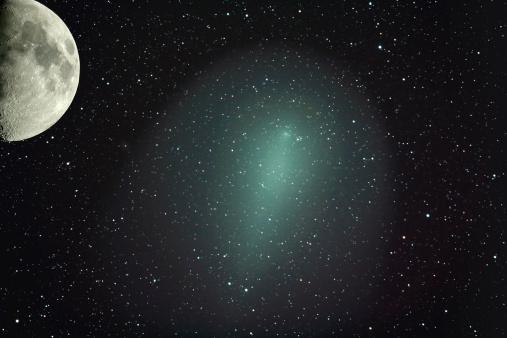月「Size of Comet Holmes in comparison with the moon.」:スマホ壁紙(7)