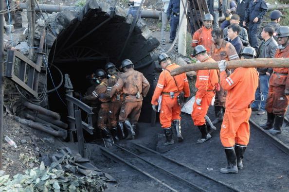 Miner「20 Dead In Coal Mine Gas Leak In China」:写真・画像(2)[壁紙.com]