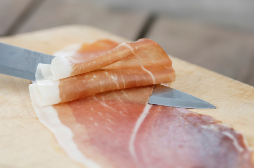 Parma - Italy「Raw ham with knife and board」:スマホ壁紙(15)