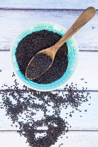 Basmati Rice「Black organic basmati rice and wooden spoon, bowl」:スマホ壁紙(13)