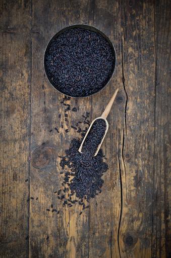 Basmati Rice「Black organic basmati rice in bowl, small shovel」:スマホ壁紙(7)