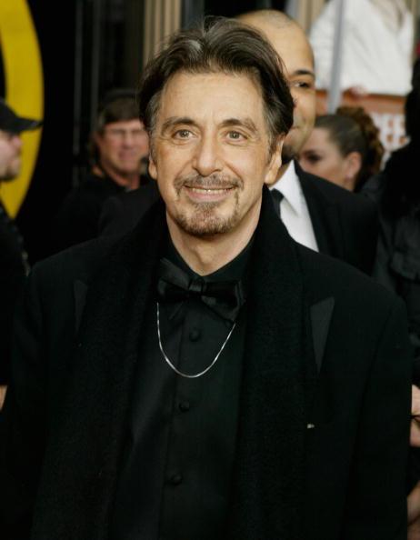 カメラ目線「10th Annual Screen Actors Guild Awards - Arrivals」:写真・画像(1)[壁紙.com]
