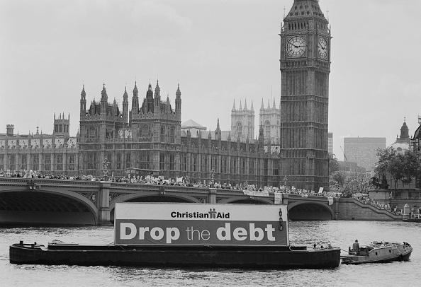 Steve Eason「Drop The Debt」:写真・画像(2)[壁紙.com]