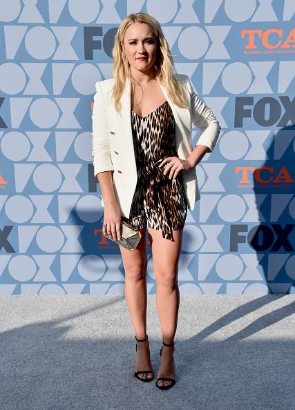 White Blazer「FOX Summer TCA 2019 All-Star Party - Arrivals」:写真・画像(5)[壁紙.com]