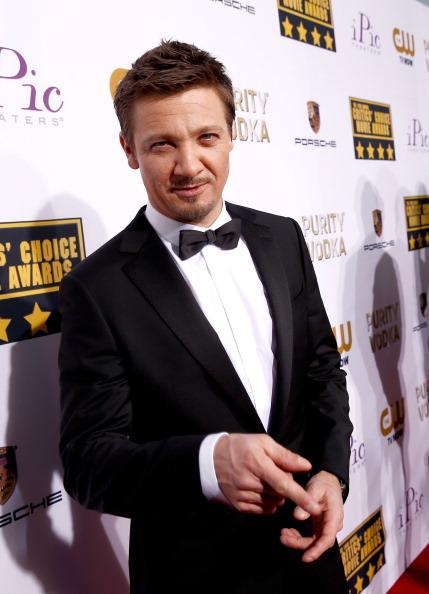 Jeremy Renner「19th Annual Critics' Choice Movie Awards - Red Carpet」:写真・画像(11)[壁紙.com]
