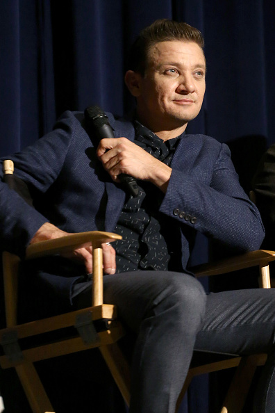 One Person「SAG Q&A with the cast of 'Wind River'」:写真・画像(6)[壁紙.com]