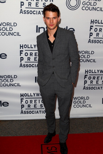 Jeremy Irvine「WGC Hosts Party With InStyle & HFPA To Celebrate TIFF」:写真・画像(16)[壁紙.com]