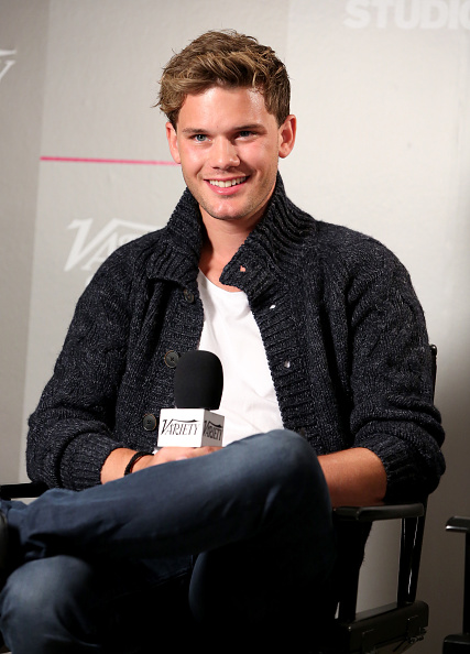 Jeremy Irvine「Variety Studio Presented By Moroccanoil At Holt Renfrew - Day 2 - 2014 Toronto International Film Festival」:写真・画像(9)[壁紙.com]