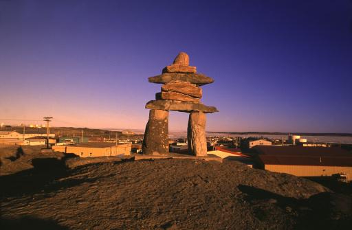 Baffin Island「Inukshuk in Rankin Inlet, Nunavut, Canada」:スマホ壁紙(5)