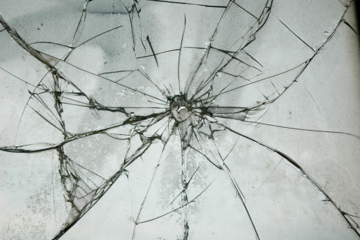 Demolished「Broken Glass Window Bullet Shooting impact hole cracks」:スマホ壁紙(7)