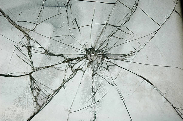 Broken Glass Window Bullet Shooting impact hole cracks:スマホ壁紙(壁紙.com)