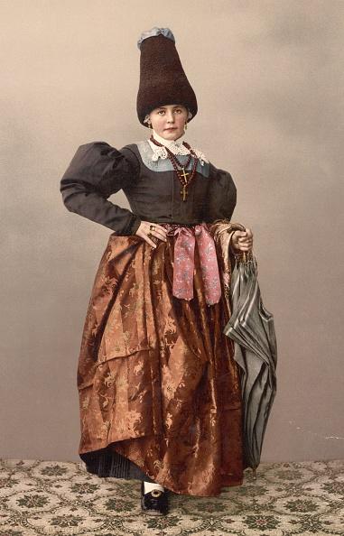 Traditional Clothing「Austrian Girl」:写真・画像(17)[壁紙.com]