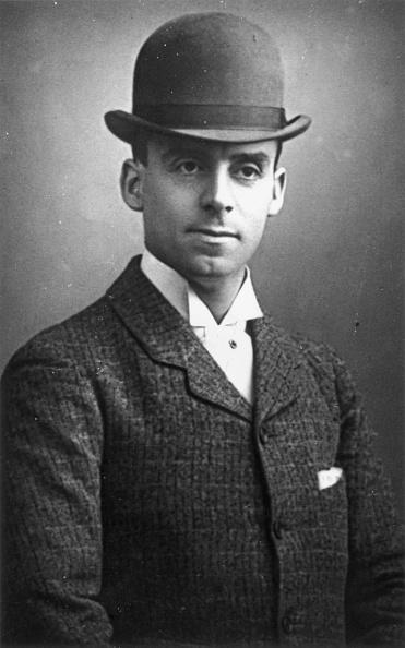 Men「Bowler Hat」:写真・画像(1)[壁紙.com]