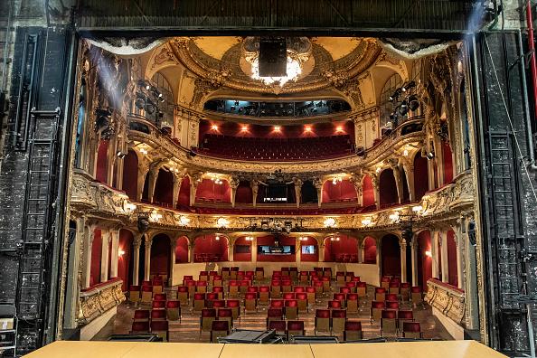 Stage Theater「The Coronavirus In Germany: Week 13」:写真・画像(14)[壁紙.com]