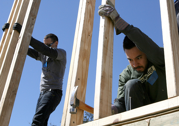 Rebuilding「Linkin Park Helps Rebuild Homes Affected By Hurricane Katrina」:写真・画像(18)[壁紙.com]